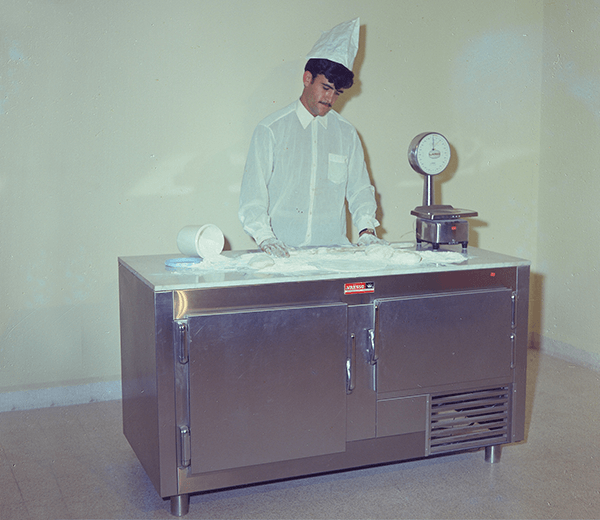 Refrigerated Preparation  cabinet from the 60's